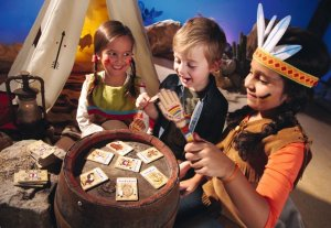 Häuptling Bumm-Ba-Bumm wurde auf der Stuttgarter Spielemesse 2014 zum Lernspiel des Jahres gekürt