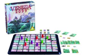 Der Spielplan von Venezia 2099 besteht aus 64 Stadtteilen, die im Laufe des Spiels untergehen können