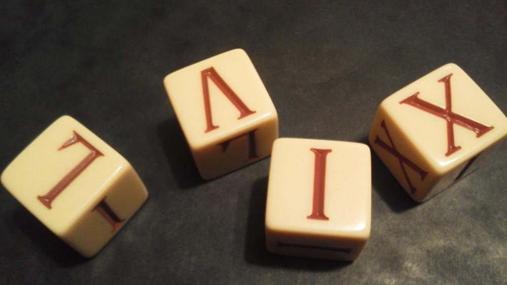 Ludix besteht aus vier Würfeln mit römischen Ziffern, die es zu gültigen römischen Zahlen zu kombinieren gilt