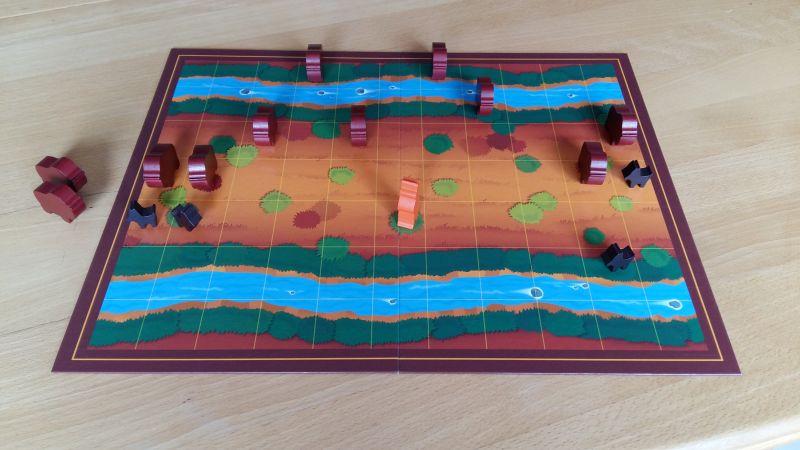 Schafft es ein Bison über den gegenüberliegen Fluss, gewinnt der Bison-Spieler. Der Indianer und die vier Hunde versuchen dies zu verhindern.