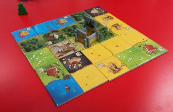Kingdomino wird auf einem 5 x 5-Raster gespielt