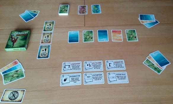 Startaufstellung für vier Spieler bei Tierisch bedroht: Es gilt die Tiere in der Tischmitte zu retten