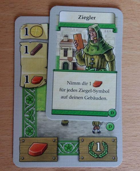 Auf jedem Gebäude liegt eine zugehörige Person. Wird das Gebäude gebaut (Kosten links), erhält der Spieler die Personenkarte und kann diese fortan nutzen.