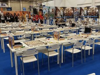Um halb Zehn gab es noch genügend Tische...