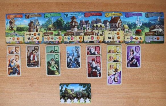 Jeder Spieler besitzt ein kleines Königreich und versucht möglichst 12 Personen anzuheuern