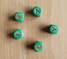 Jeder Spieler würfelt zu Beginn einer Runde seine 5 Würfel