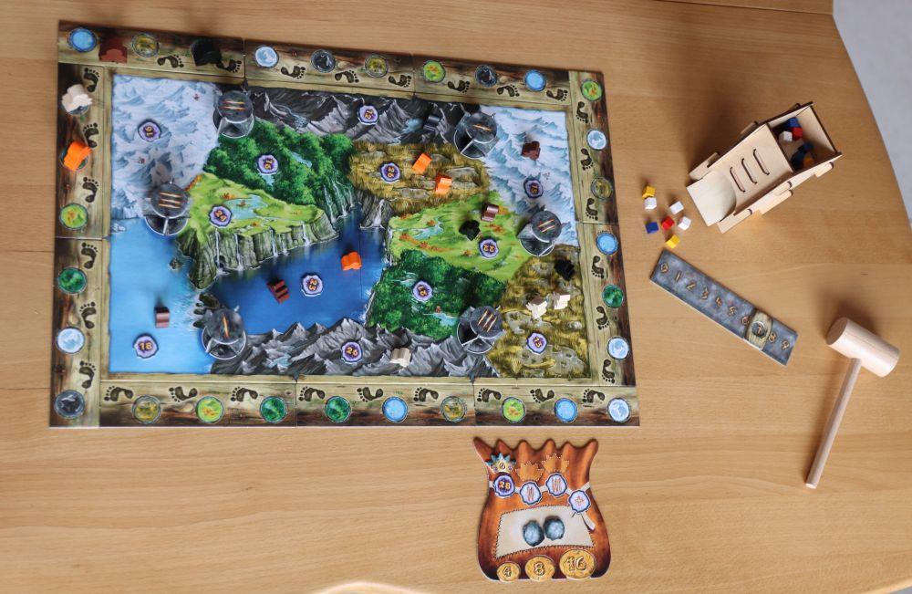 Trollfjord im Überblick mit Spielplan und Turm